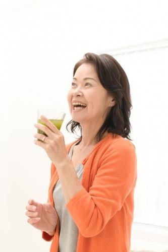 青汁を飲むと、体の内臓などに負担がかかるのでしょうか?という質問の答えです。